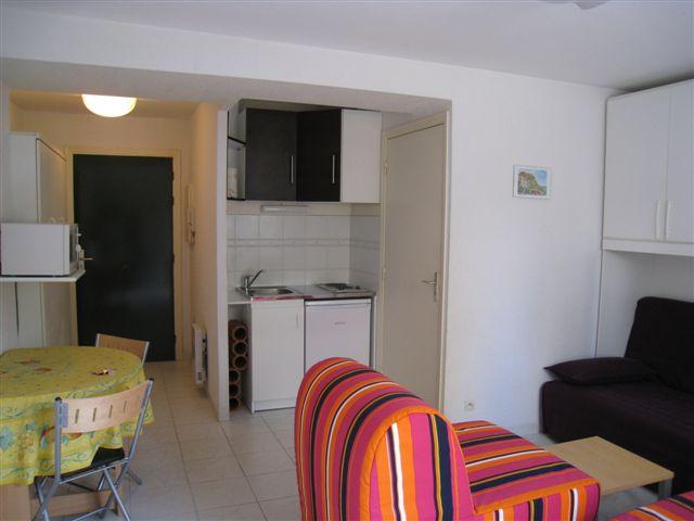 Juan les pins studio 25m2 class 2 toiles location 4 personnes c te d 39 azur - Amenager un studio de 25m2 ...